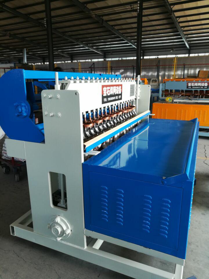 钢笆网焊网机